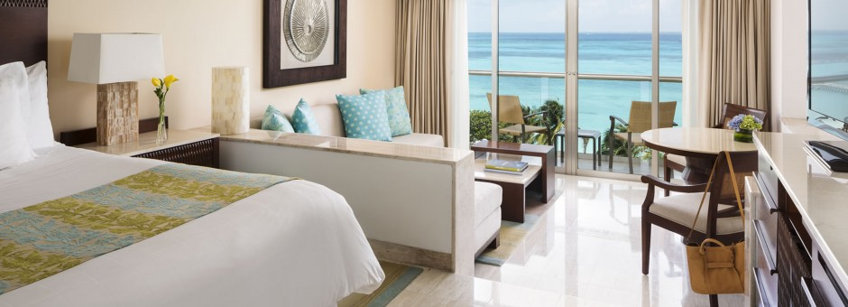Enjoy elegant accommodations at the Grand Fiesta Americana Los Cabos Resort...